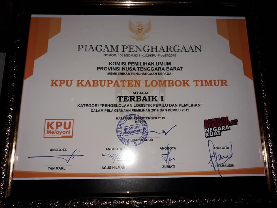 KPU LOMBOK TIMUR RAIH PENGHARGAAN TERBAIK 1 PENGELOLAAN LOGISTIK PEMILU 2019